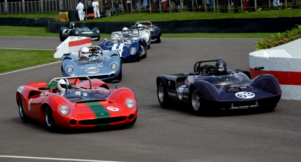 1965 Hamill Chevrolet SR3 and the Lola T70 Spyder leading the pack.