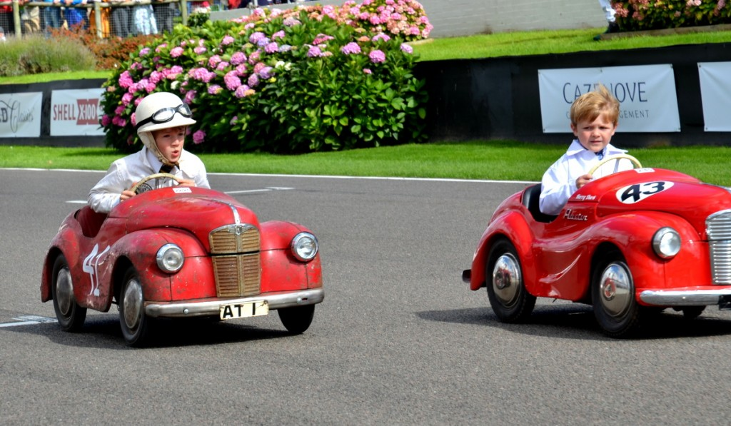 Settrington Cup, Austin J40 Pedal Cars, battle for victory, Goodwood Revival 2015